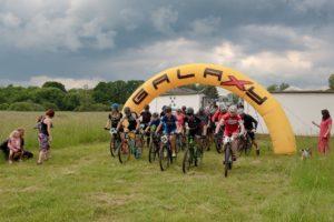 Cyklozávod Na kole pro pomoc 2021